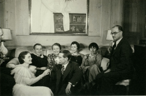 Gertrude Stein, Fanny Butcher (publisher of the Chicago Tribune ), Alice Roullier (art dealer), Alice Toklas and writer Thorton Wilder. In front, Bobsy (photographer's wife) and Richard Drummond Bokum, sales executive. Photo: Charles B. Goodspeed