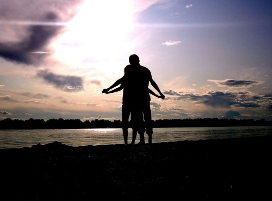 lovers_silhouette-wallpaper-1280x800