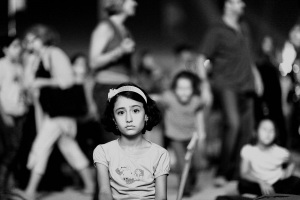 alone_in_the_crowd_by_yasir82